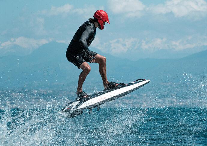 Awake-Boards-electric-surfboard-1